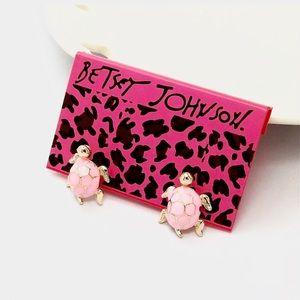 Betsey Johnson Pink Tortoise Earrings 🌸🆕🌸